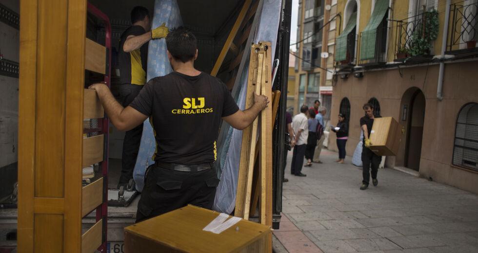 Το σύνδρομο της Ισπανίας απειλεί τους Ελληνες δανειολήπτες.