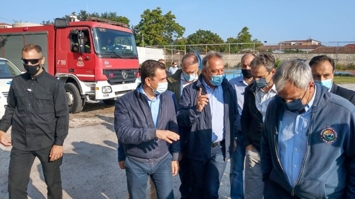 Δεν είχαν ελικόπτερα για να βοηθήσουν τους πληγέντες αλλά βρέθηκε για να πάει στην Καρδίτσα ο Μητσοτάκης