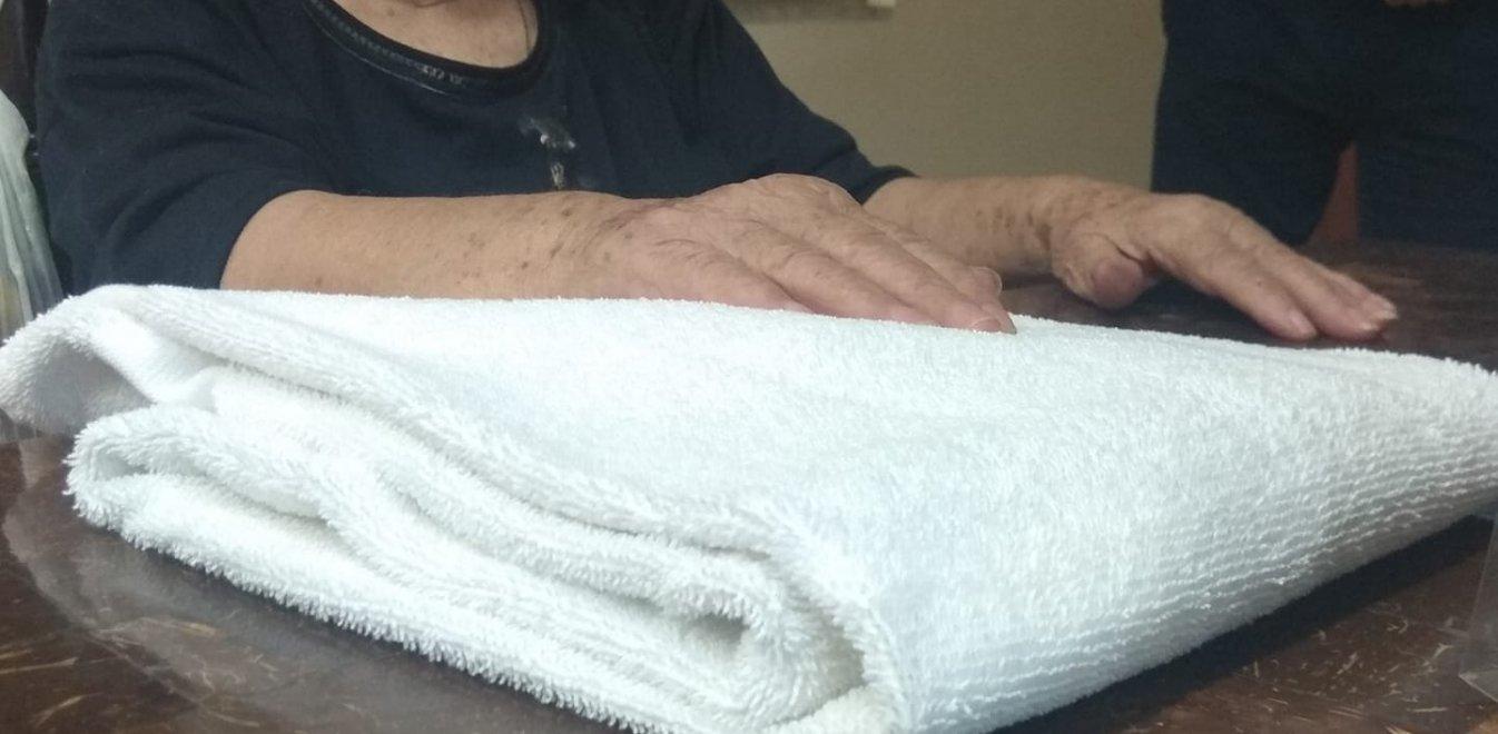 Ένας πραγματικός Έλληνας έδωσε στέγη στην 90χρόνη που πέταξαν στο δρόμο!
