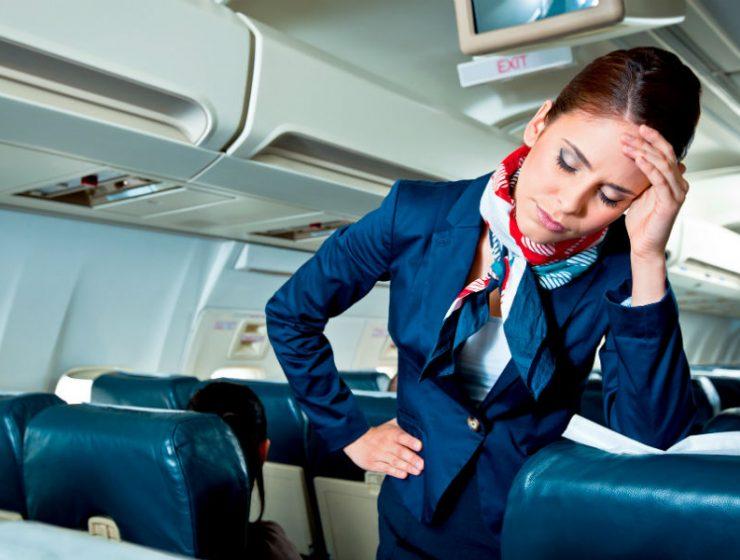 Διαιτολόγος παρενόχλησε αεροσυνοδό και τον κατέβασαν από το αεροπλανο με χειροπέδες